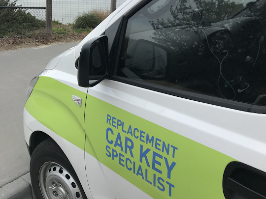 car key replacement specialist