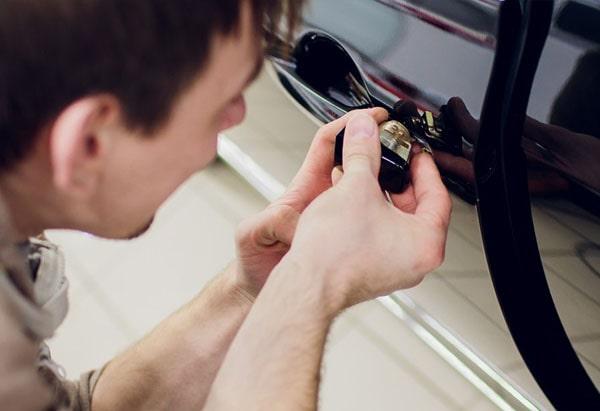 galmier auto locksmiths broken car lock repair